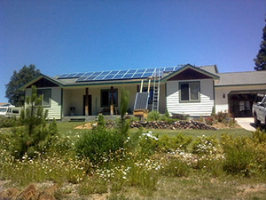 Off Grid Home with Solar Panel