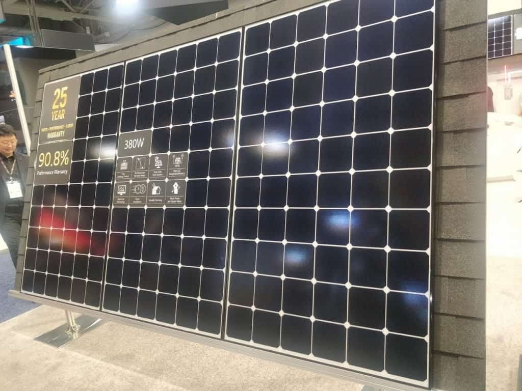 380W 60-cell panels featured at SPI 2019.