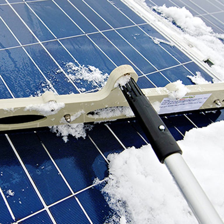 do-solar-panels-work-in-winter